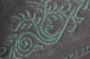 Handbestickte Lederhose